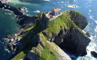 """Kā izskatās  spāņu sala ar savu """"lielo mūri"""""""